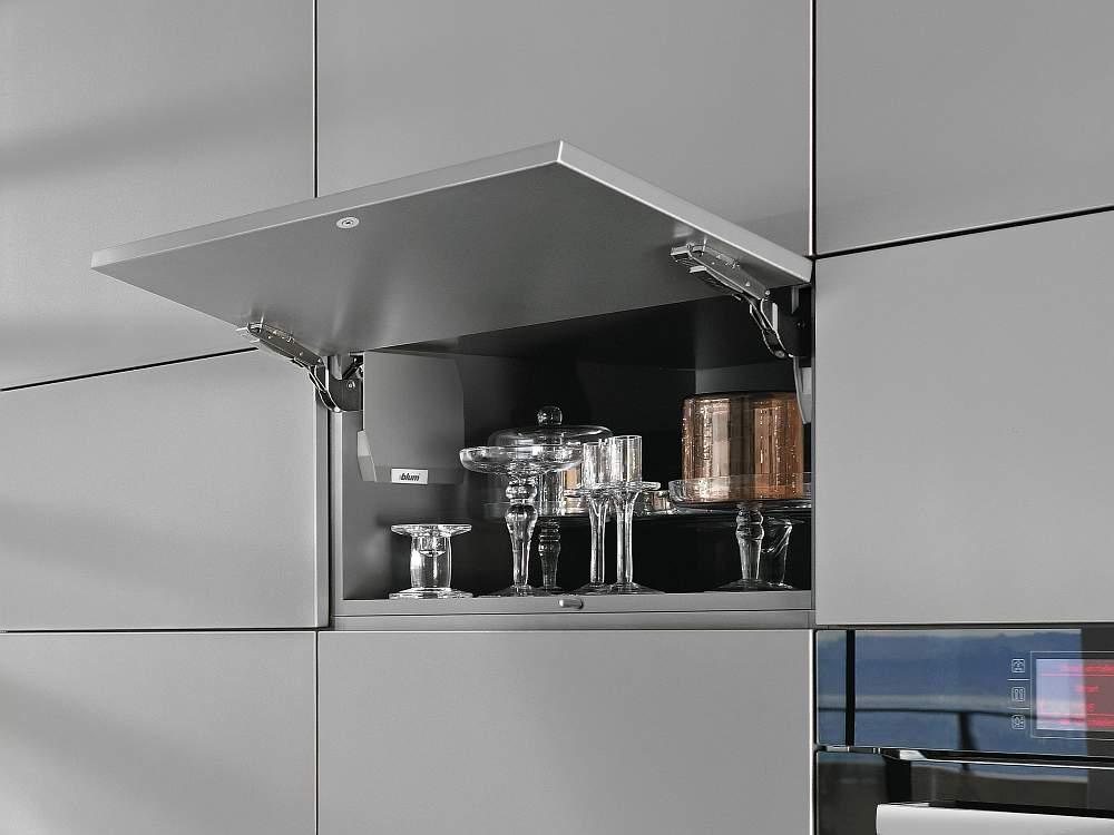 Podnoszenie do szafek kuchennych | AVENTOS HK-S BLUM