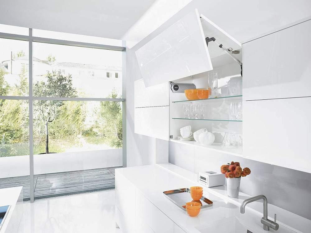 System podnoszenia do szafek kuchennych   AVENTOS HF BLUM